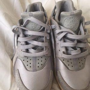Nike gray hurraces